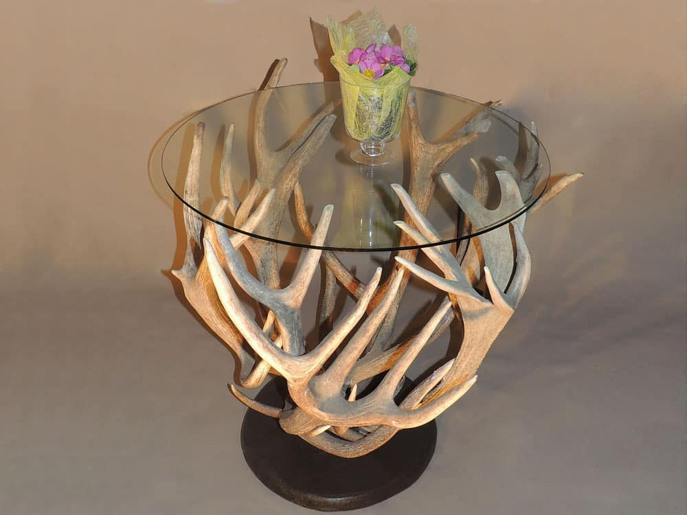 Geweih tisch rund oh my deer hirschgeweih deko for Lampe geweih modern