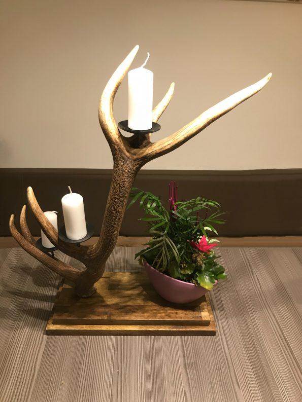 kerzenhalter aus geweih ist ein hervorragendes geschenk f r jeden j ger. Black Bedroom Furniture Sets. Home Design Ideas