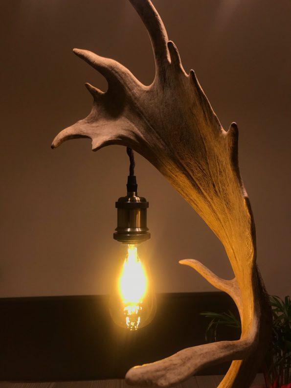 Geweih Stehlampe Damhirsch für Ihr Chalet
